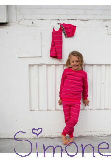 Quapi pyama Puck aop hot pink text wintercollectie 2020 kinderboetiek simone